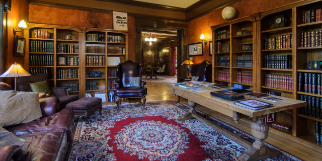 Shafer-Baillie Mansion Library
