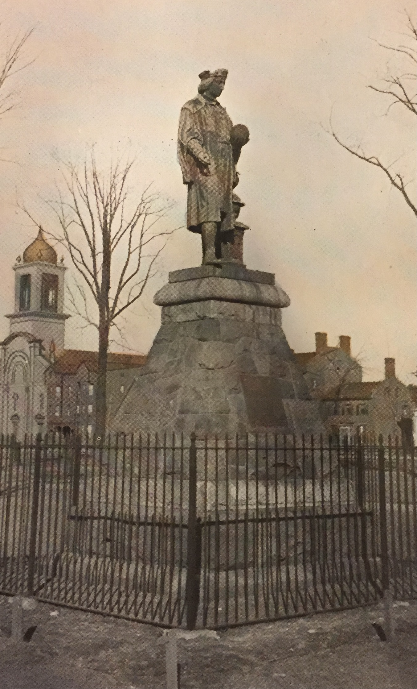 Sky, Pedestal, Statue, Sculpture