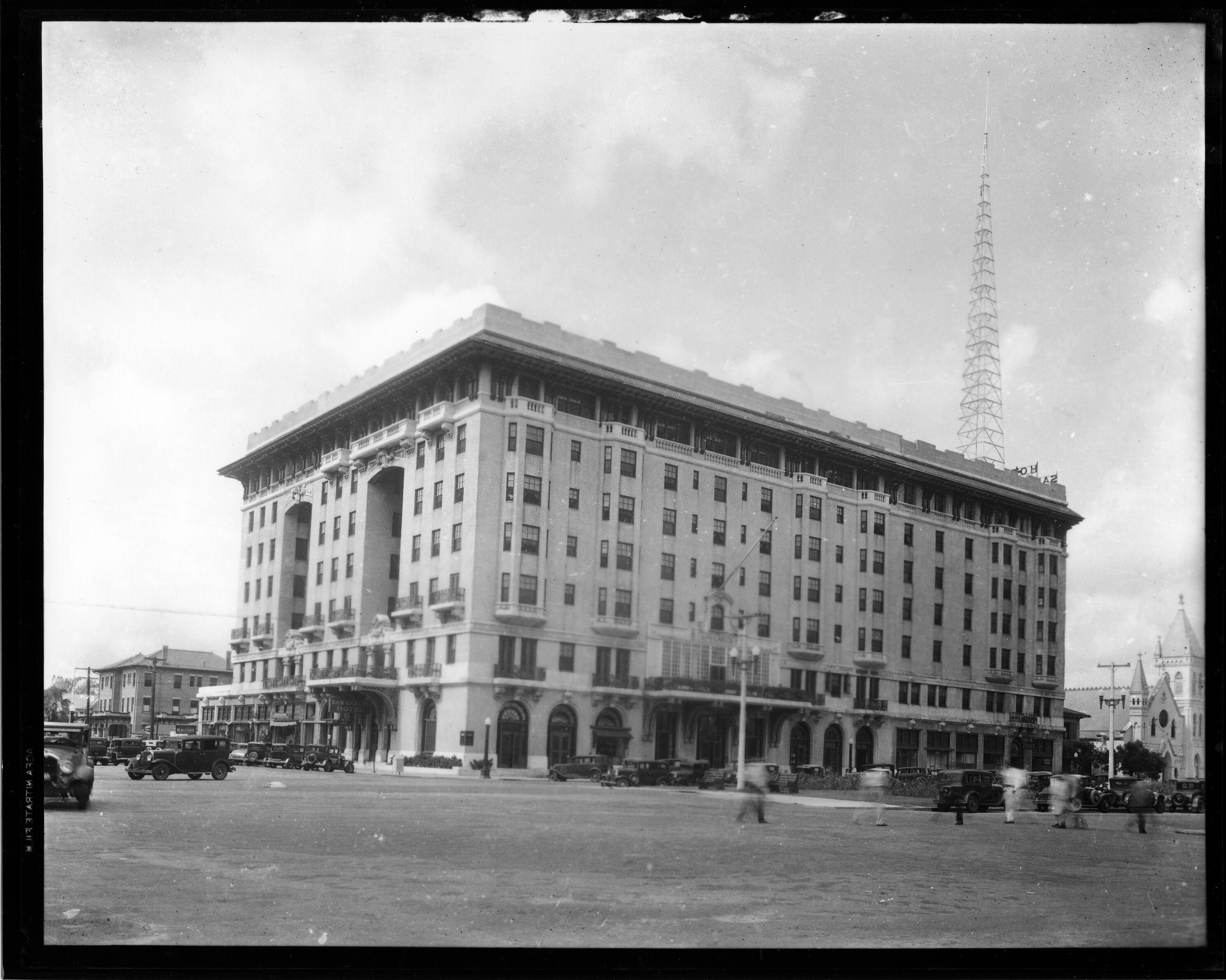 Building, Architecture, Black-and-white, Landmark
