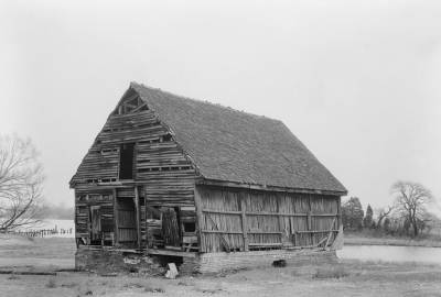 A 1936 photo of Wye House's corn crib.