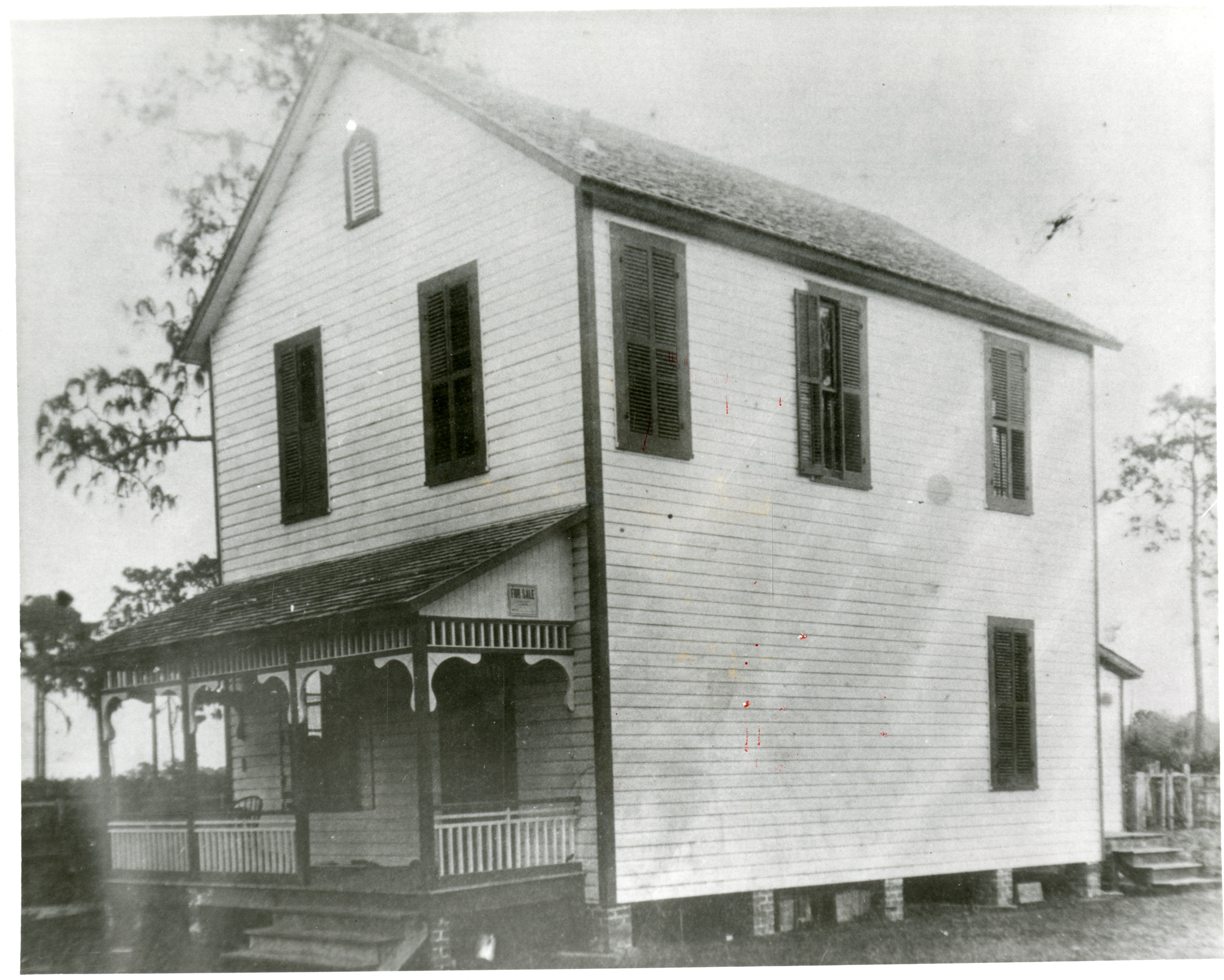 Plant-Sumner House in 1912, the year Robert Sumner purchased the structure. Sumner served as the postmaster, a dairy farmer, and a minister in the Clearwater area.