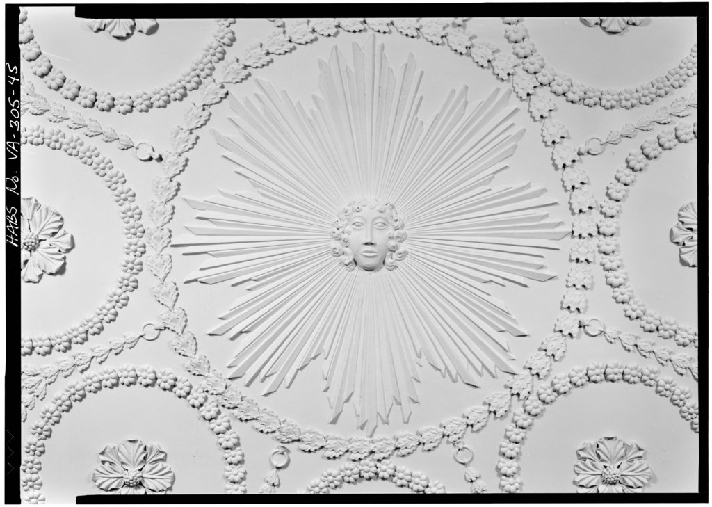 A detailed ceiling medallion in the master bedchamber at Kenmore