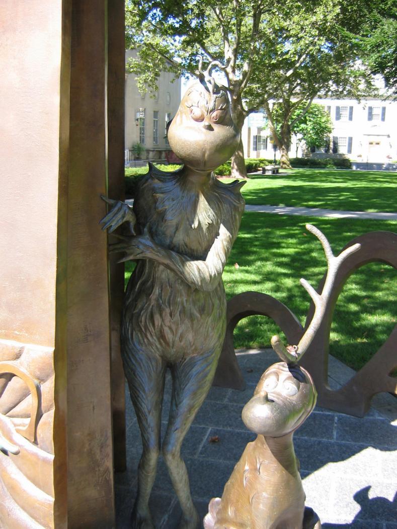 Plant, Vertebrate, Statue, Sculpture