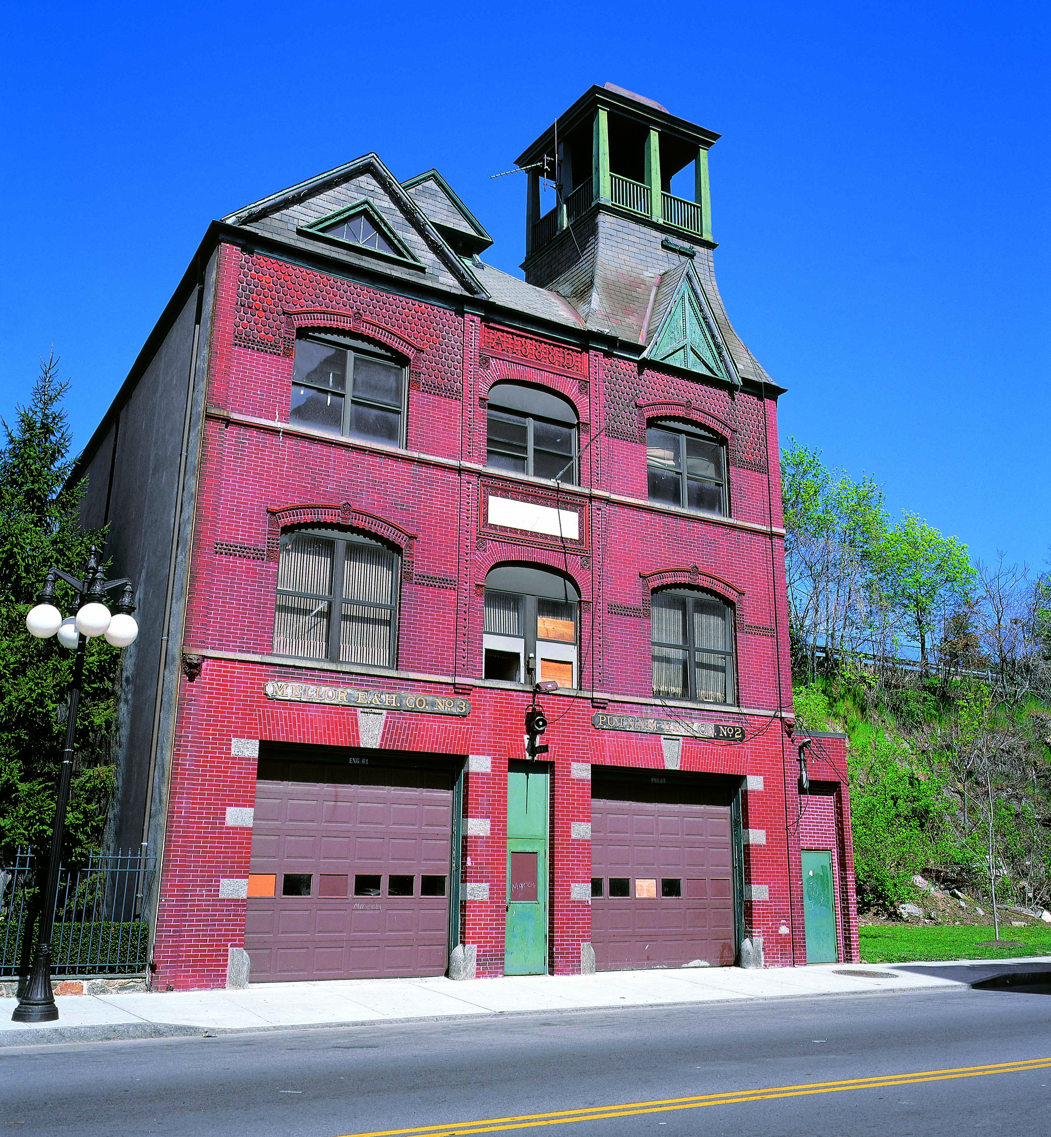 Putnam and Mellor Engine and Hose Company Firehouse, circa 2000.