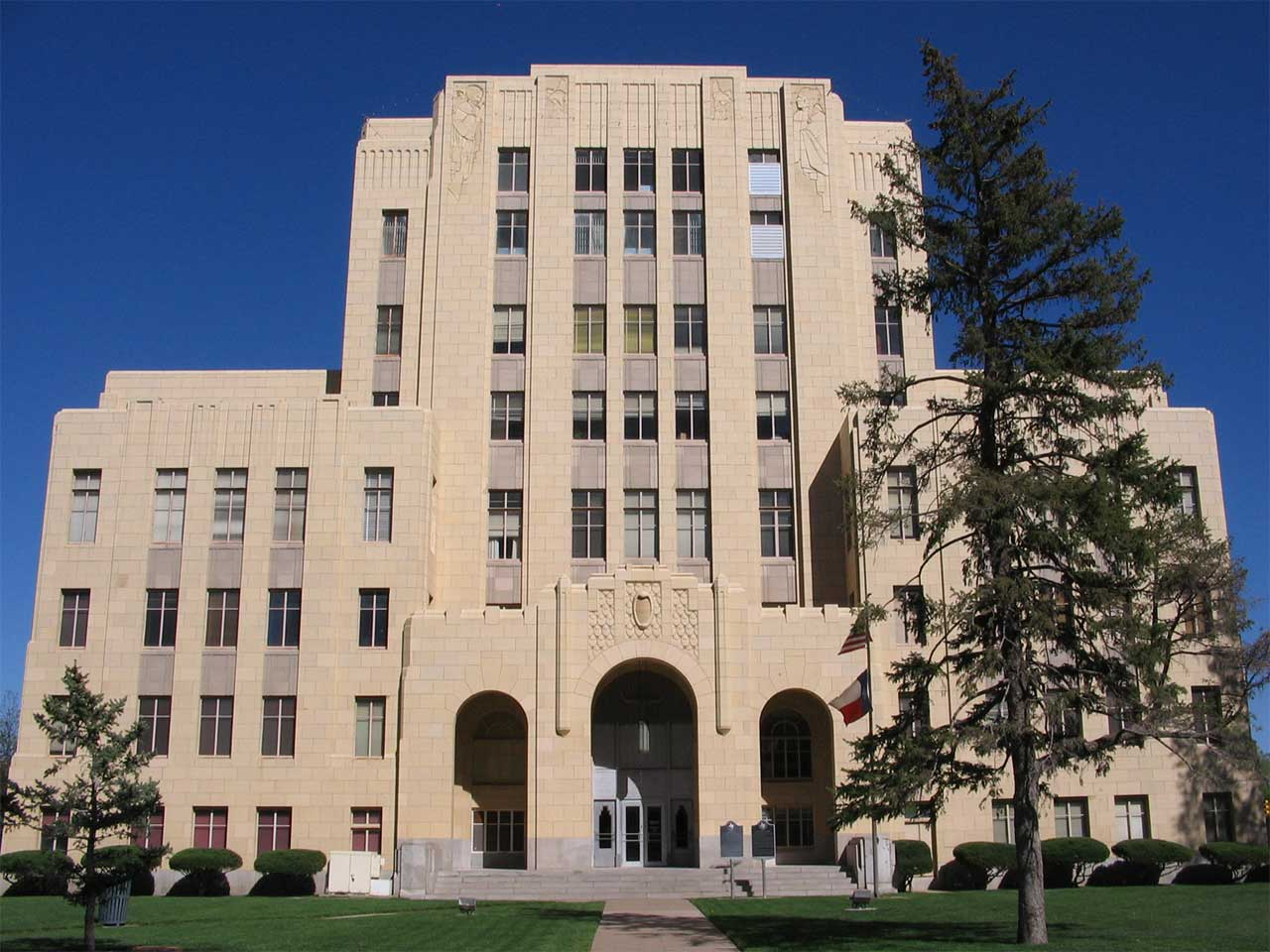 The Potter County Courthouse was built in 1932. It is an excellent example of Art Deco architecture.