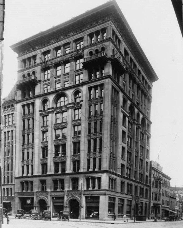 Ca. 1914-1920s photograph of Majestic Building from Indianapolis Star News