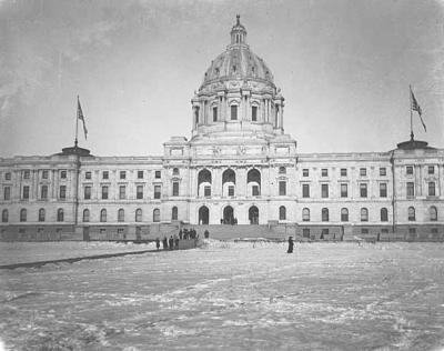 The state Capitol as it appeared in 1905.