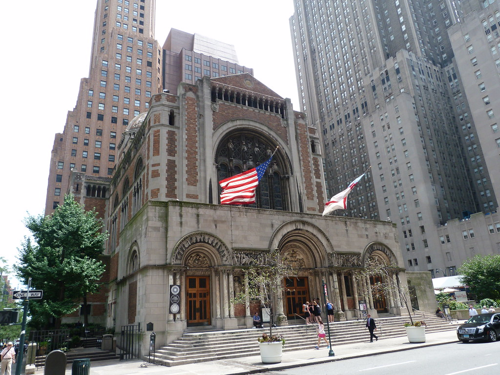 St. Bart's has occupied this corner along Park Avenue since 1918.