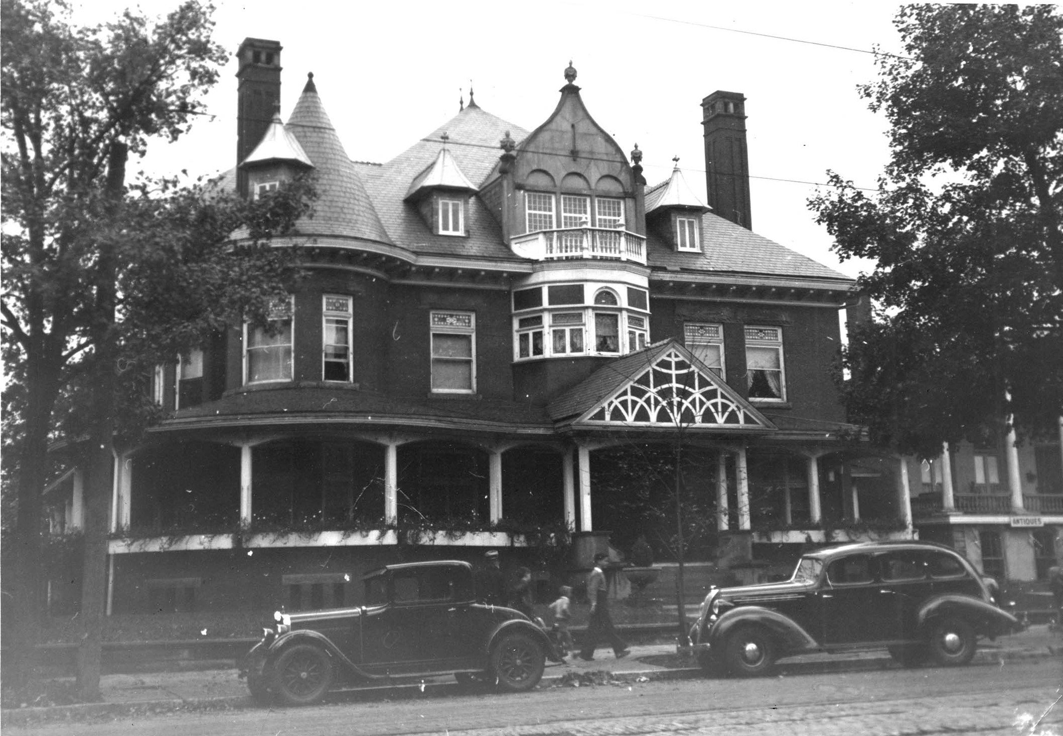 The Enslow Mansion in 1936, around the time of the murder of Juliette Buffington Enslow. Image courtesy of Marshall University Special Collections.