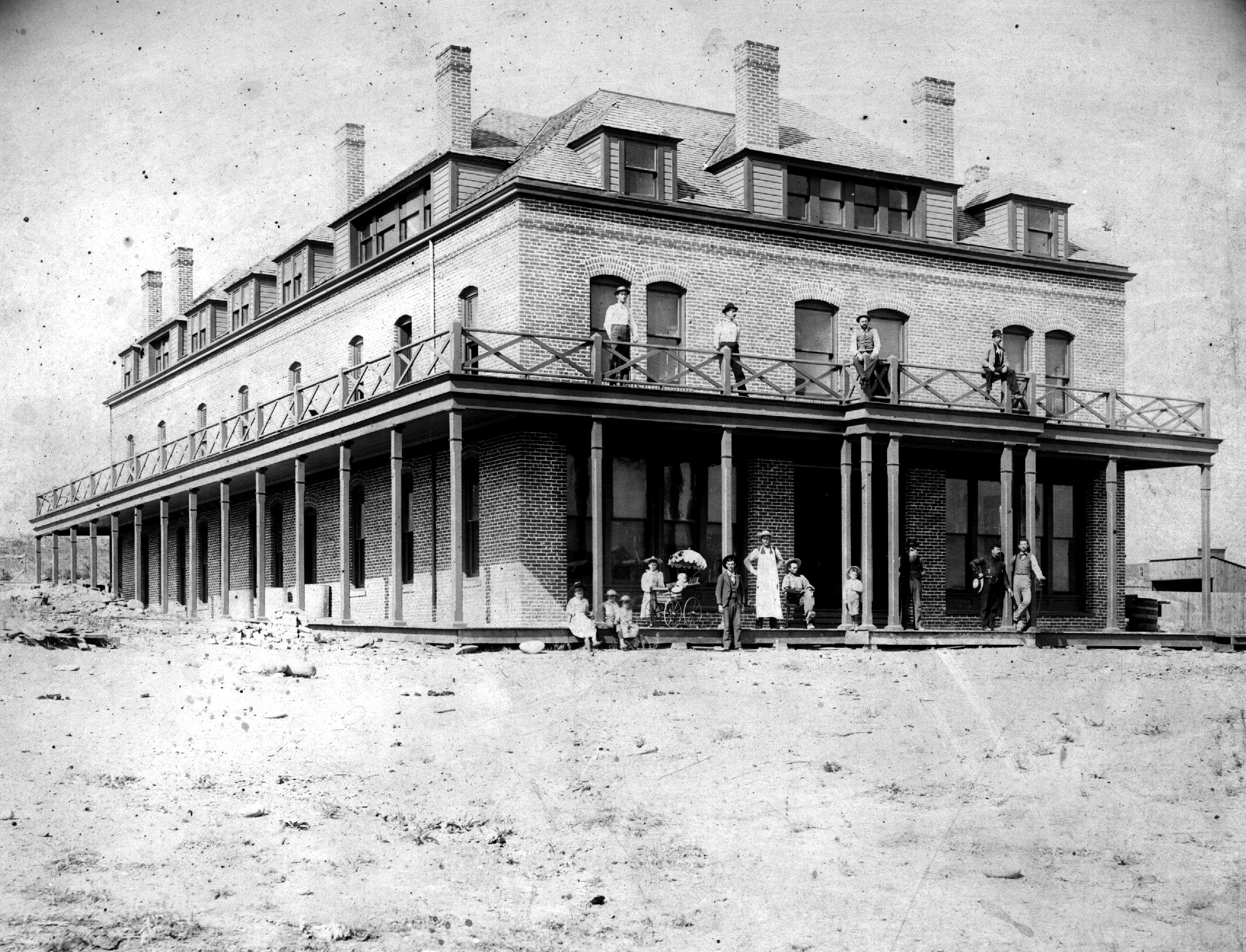 Photo of the first Chelan County Court House as the Clark Hotel.