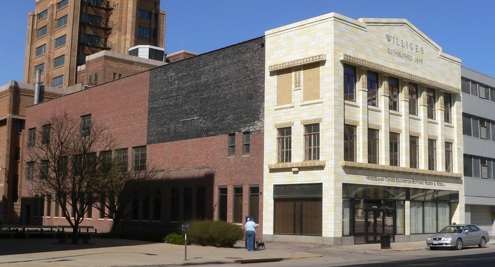 2012 Photo of the Williges Building in Sioux City -- Side View