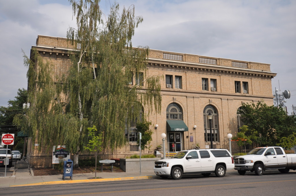 The historic former Federal Building was built in 1917 and now houses a library.