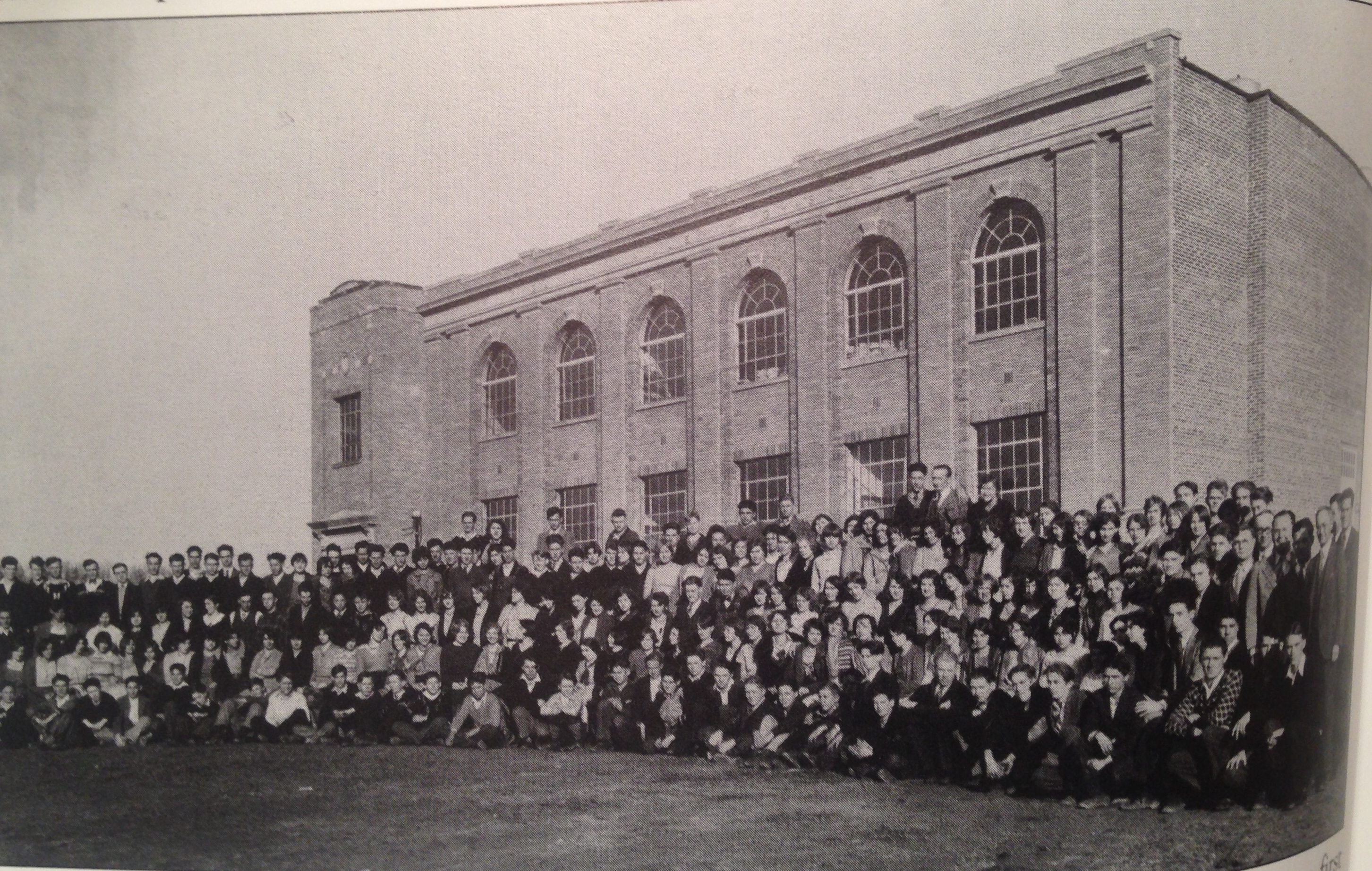 Guyan Valley High School and students in 1929.