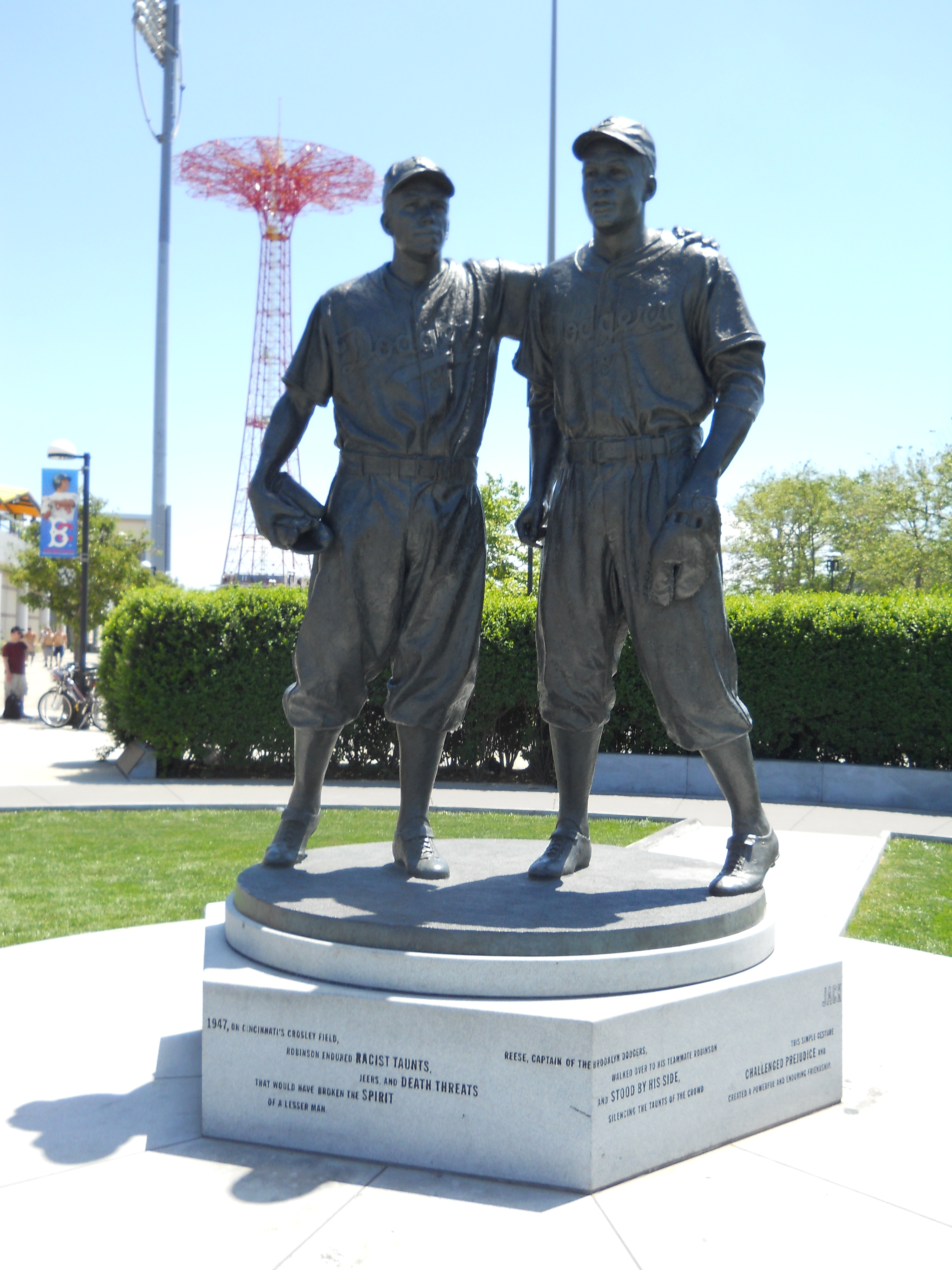 The statue of Jackie Robinson and Pee Wee Reese outside of the Brooklyn Cyclones Stadium