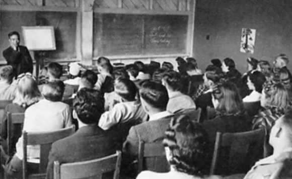 Obata teaching at UC Berkeley (c. 1930s)
