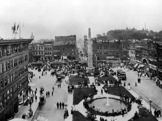 The Vance Monument and downtown Asheville in 1913.