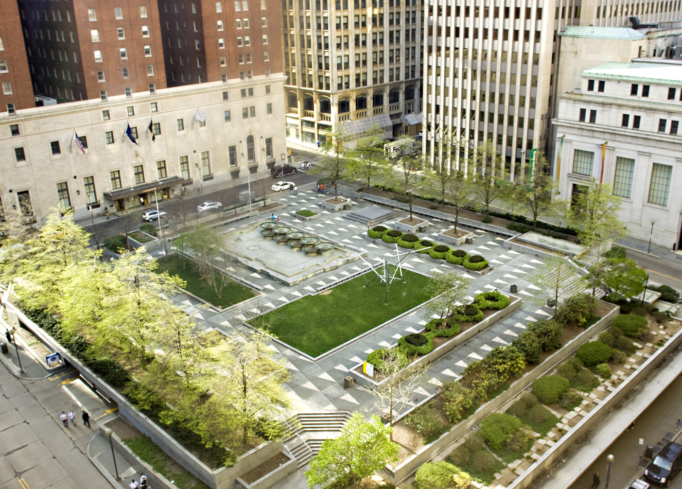 Overhead shot of Mellon Square Park