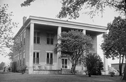 An old photo of the house taken probably around the 1930s.