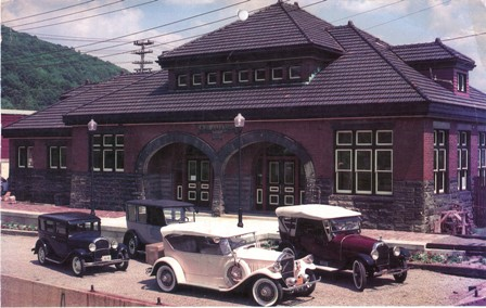 A color photograph of the Salamanca Rail Museum, taken in 1912.