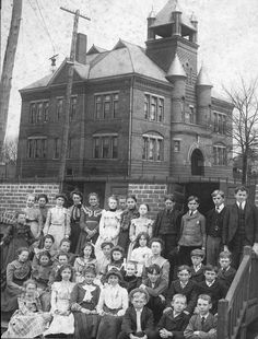 A photo of the  students who attended the Rose Center when it still functioned primarily as an elementary school.