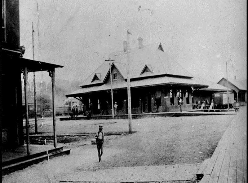 A photograph of the Spring City Depot, taken sometime around the end of the 19th Century or the early 20th Century.