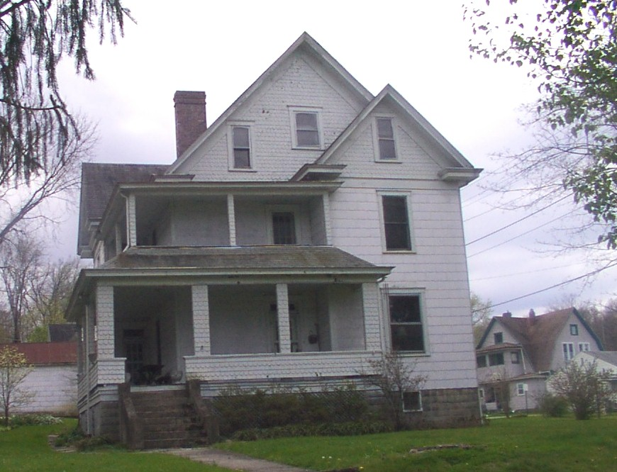 Harshbarger House (ca. 1918), 303 Eighth Ave.