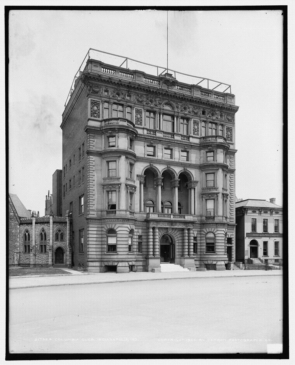 This building served as the Columbia Club's home from 1898 to 1924.