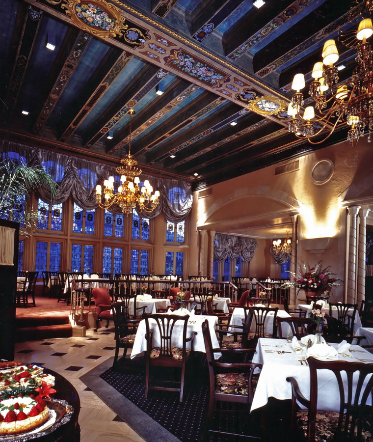 One of the restaurants located within the Columbia Club building.