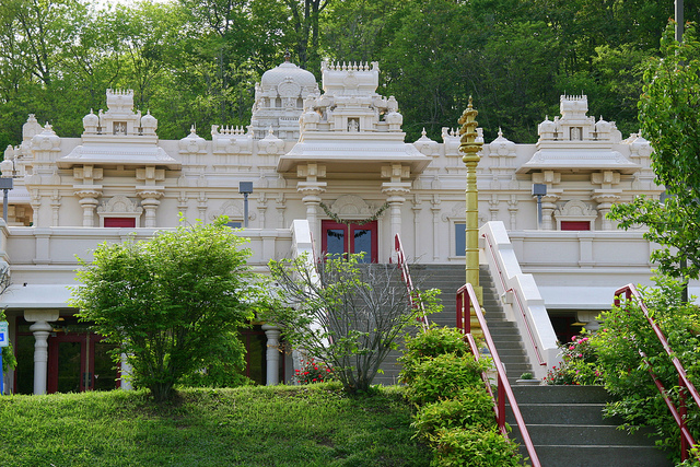 The temple was built in two major phases during the 1980s and 1990s.