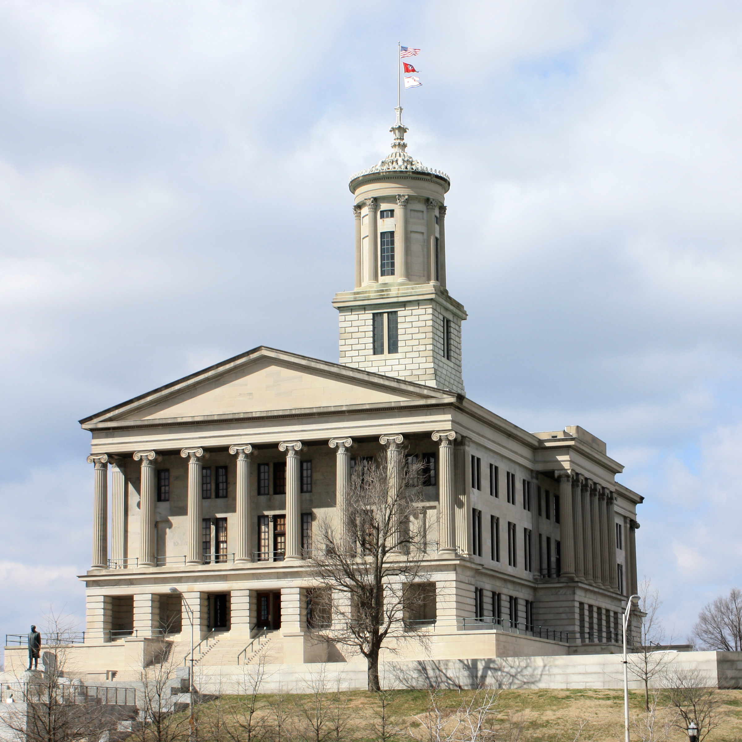 The capital was built using Greek Revival architecture and is one of only ten state capitols that does not feature a dome.
