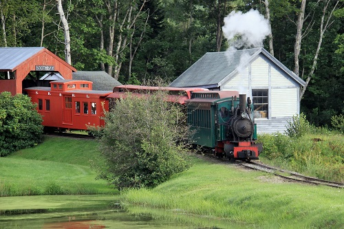 The Boothbay Railway Village brings the Narrow Gauge heritage of Maine to life with a live operating steam train.