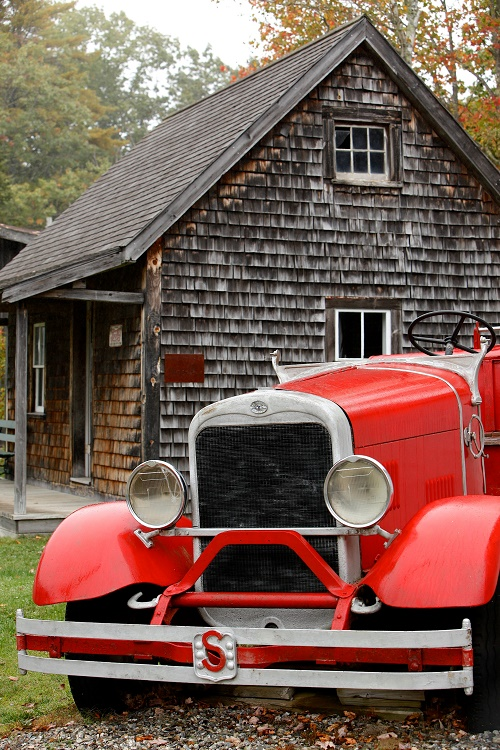 The Museum also displays fire trucks and early fire apparatus like steam pumpers and hand tubs.