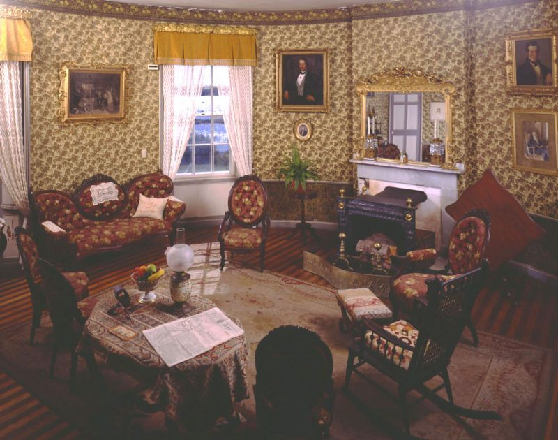 The parlor at Castle Tucker