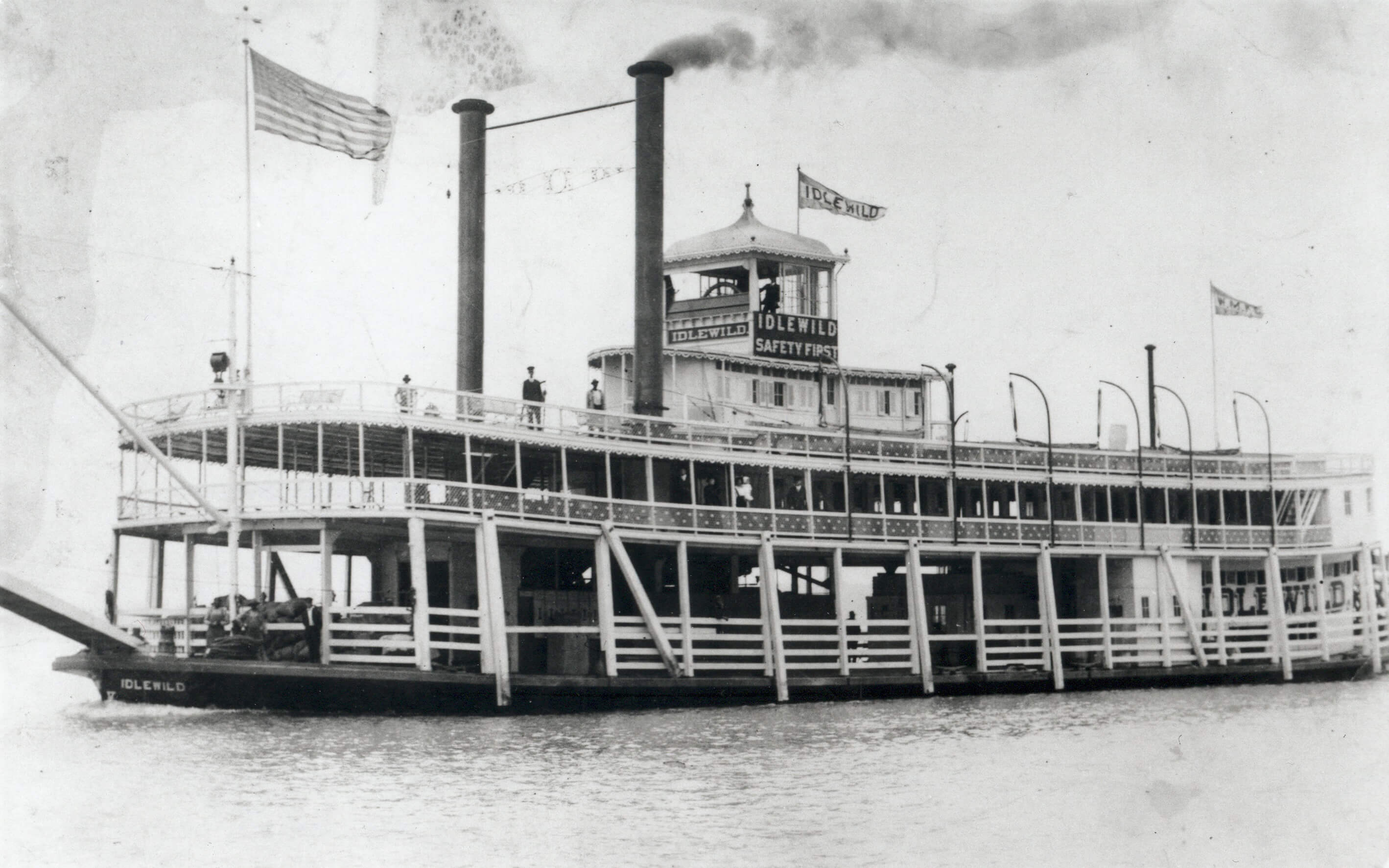 The Idlewild (image from Belle of Louisville website)