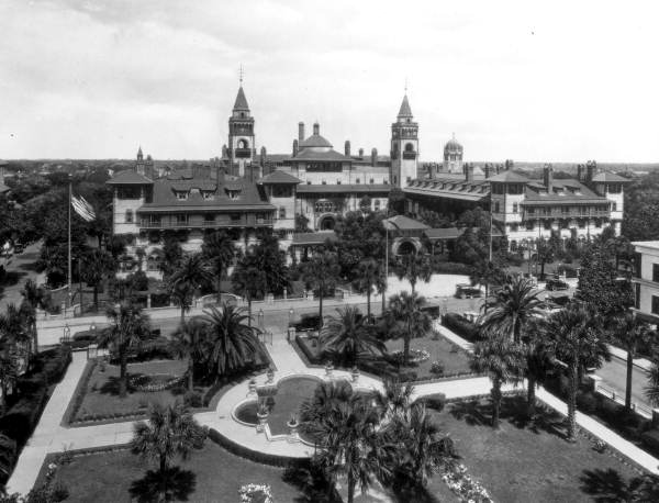 Ponce de Leon Hotel in the 1910s-photo was taken from the former Alcazar Hotel