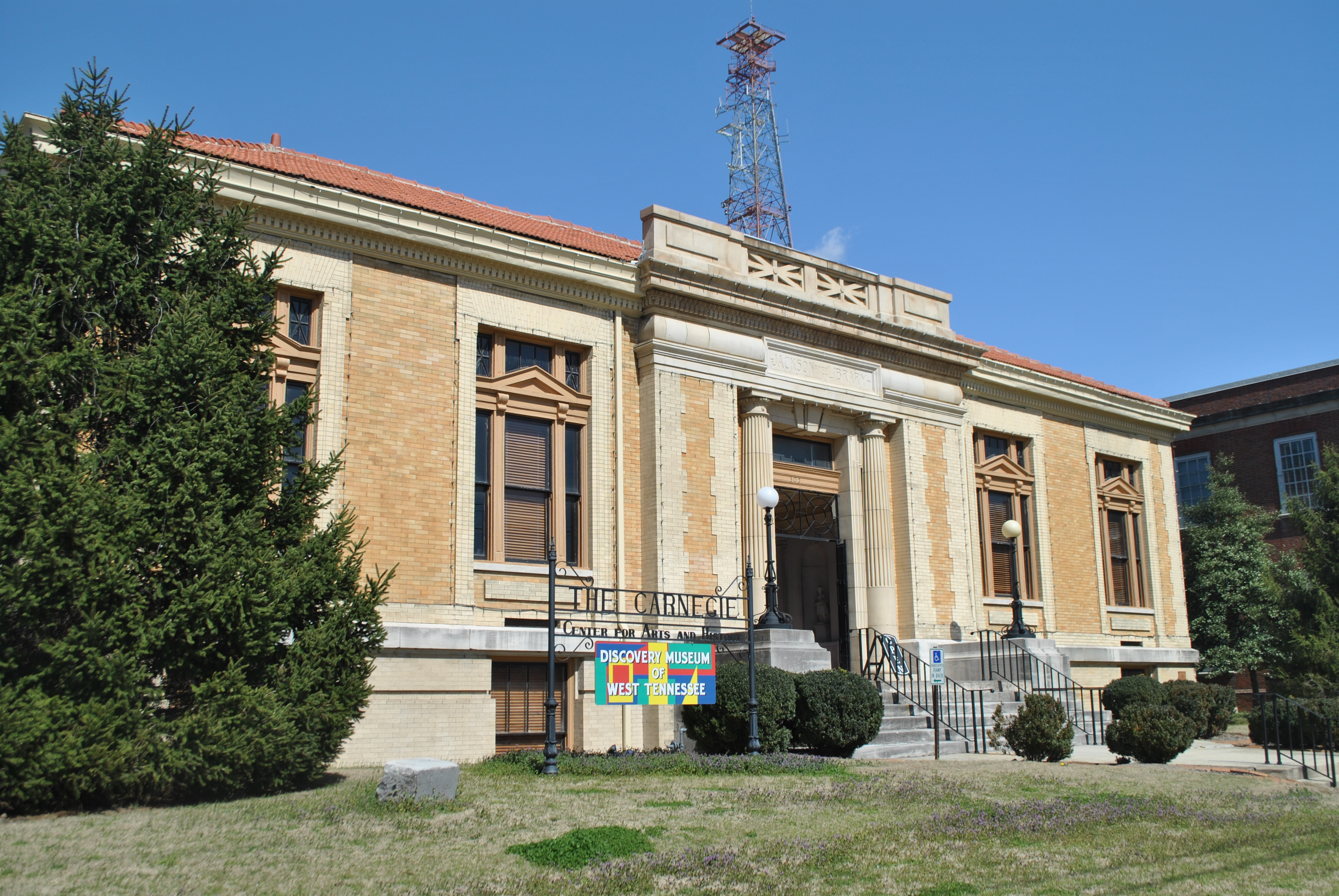 """Carnegie Center for Arts and History, Jackson Free Library.   """"Jackson Free Library"""" by Www78 - Own work. Licensed under CC BY-SA 3.0 via Wikimedia Commons - http://commons.wikimedia.org/wiki/File:Jackson_Free_Library.JPG#mediaviewer/File:Jackson"""