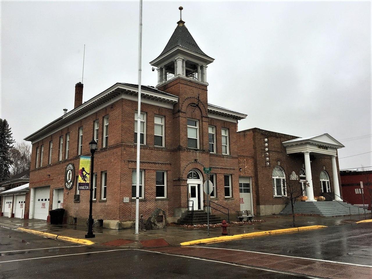 Hamilton City Hall was built in 1907.