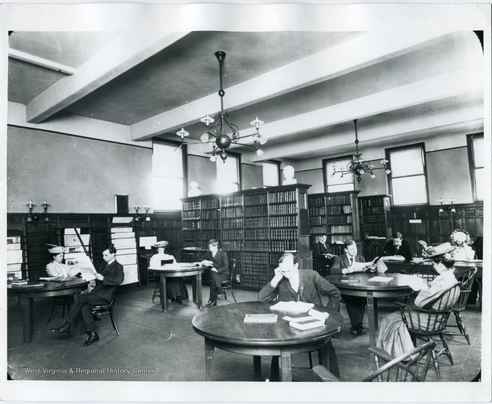 Students using the library, 1910.
