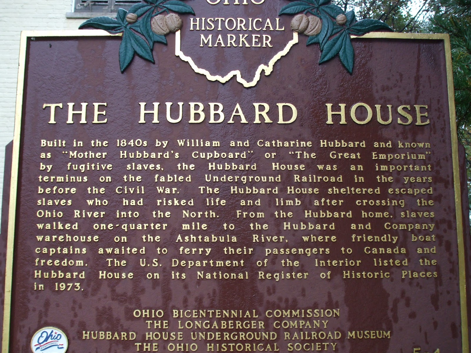 Plaque dedicated to the Hubbard's.
