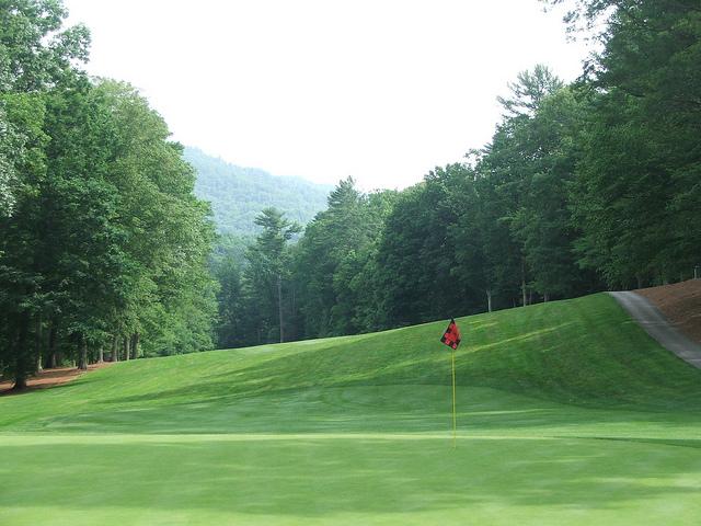 2nd Hole Cascades Golf Course
