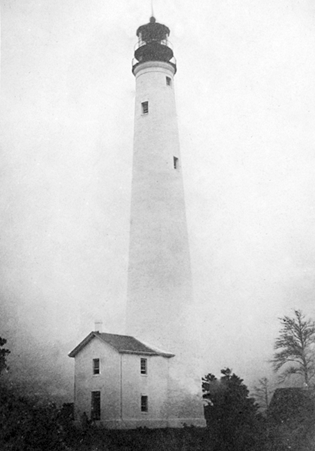 1860s photo of the lighthouse as it originally appeared