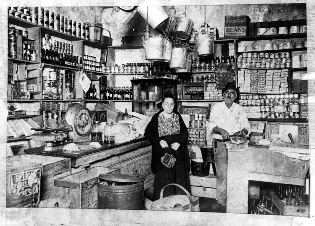 Italian merchants in the French Quarter, ca. 1920.