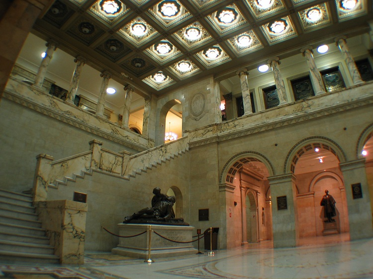 "Interior of the Massachusetts State House in 2005. ""USA State House 4 MA"" by Daniel Schwen. Licensed under CC BY-SA 2.5 via Wikimedia Commons."