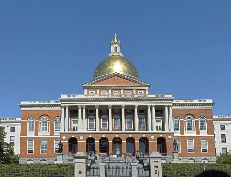 "The Massachusetts State-house in Boston. ""Mass statehouse eb1"" by Fcb981. Licensed under CC BY-SA 3.0 via Wikimedia Commons."