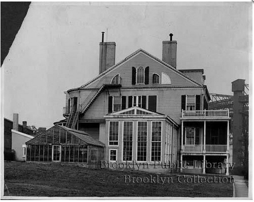 Side view of the house 1935. Credit: Brooklyn Public Library