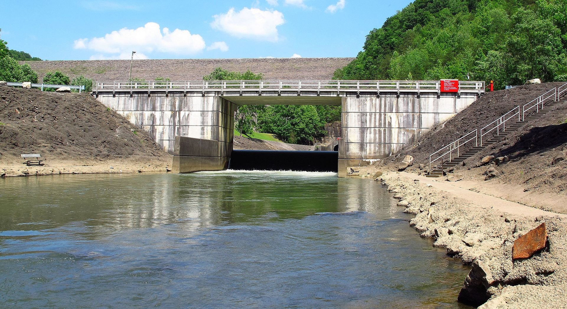 The outflow of the dam.