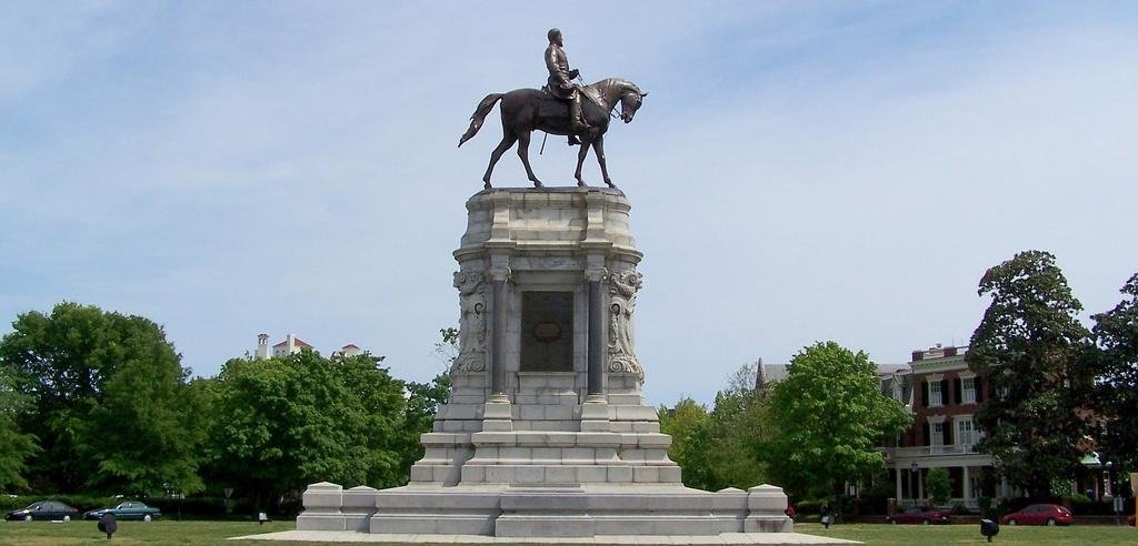 General Robert E. Lee Monument