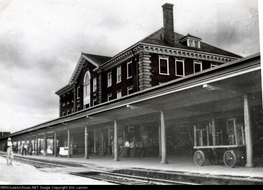 Outside the second C&O station