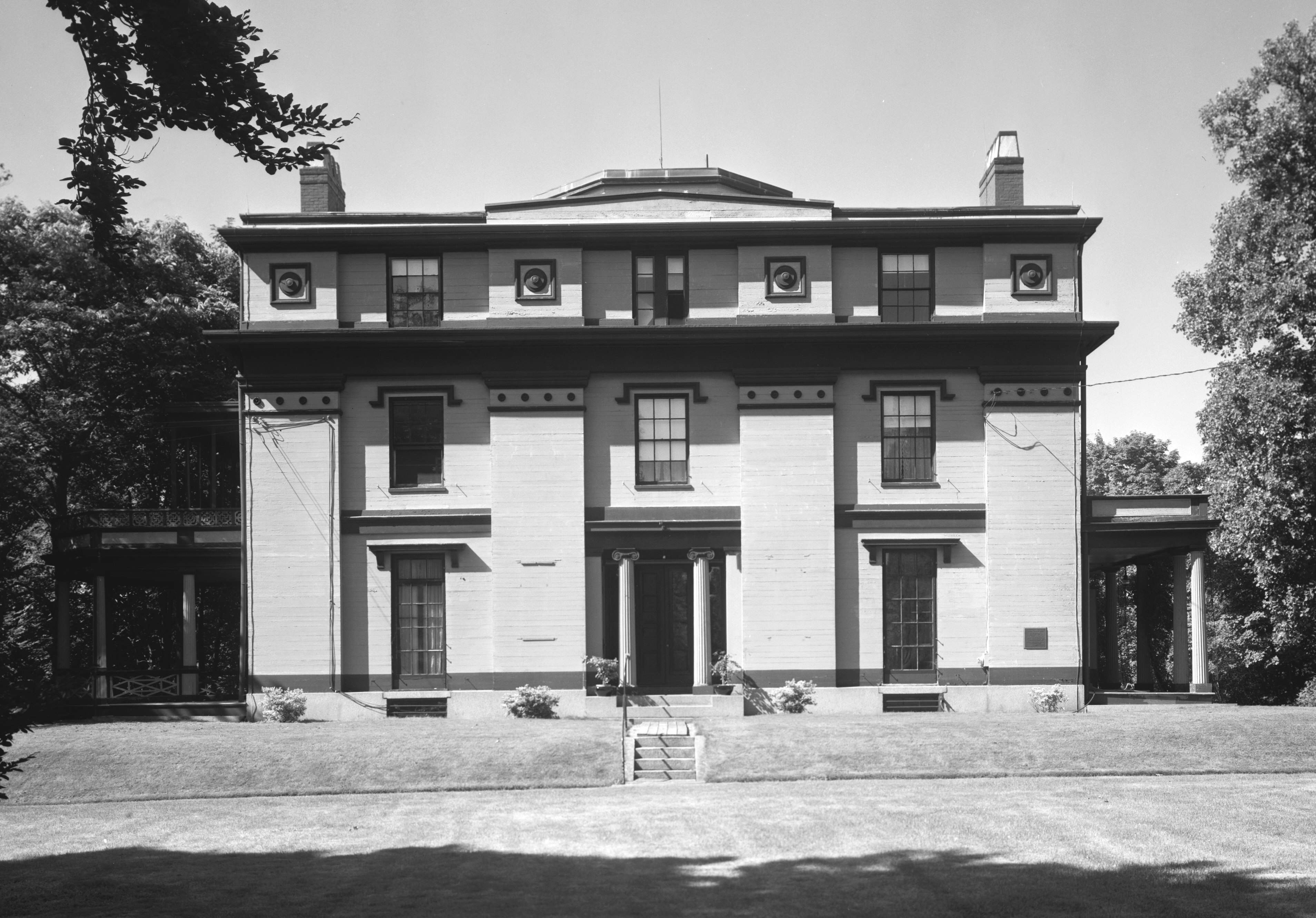 Forbes House, front facade in 1965.