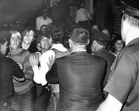 An image from the Stonewall riots that followed in the wake of the police raid. New York Daily News.